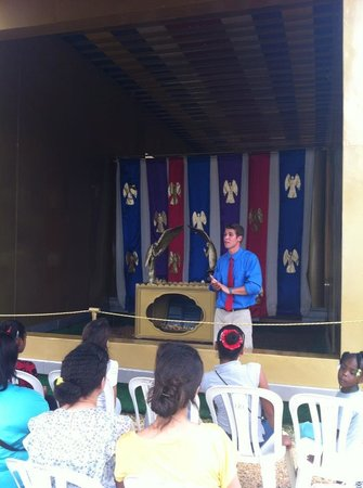 Messiah's Mansion Roatan: Most Holy Place Tour