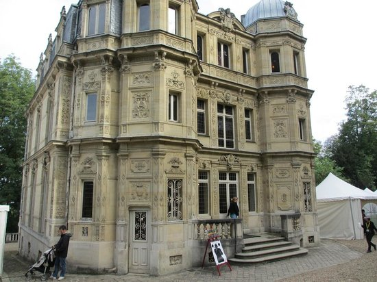 Le Port-Marly, Francia: The Chateau of Monte Cristo