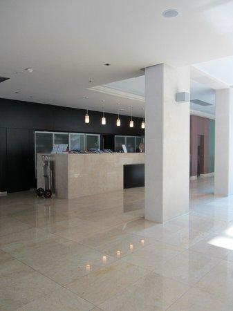 Admiral Grand Hotel: Hotel lobby
