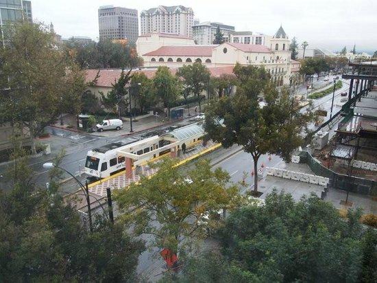 هيلتون سان خوسيه: a unos metros de la estacion de tren