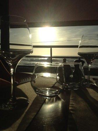 Restaurant Les Rochers: coucher de soleil sur les rochers de St. Guenole