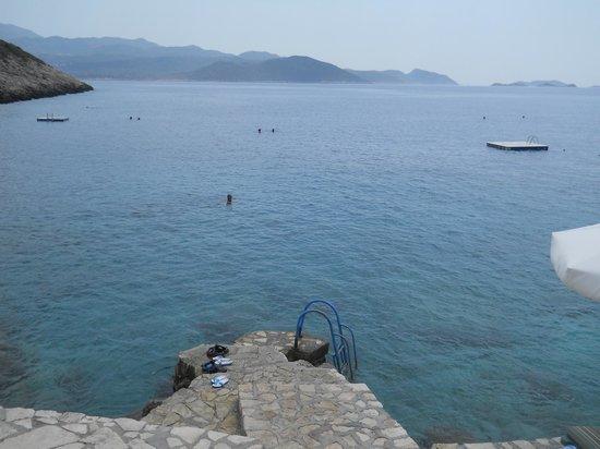 Aquarius Hotel: panorama dalla spaiggia