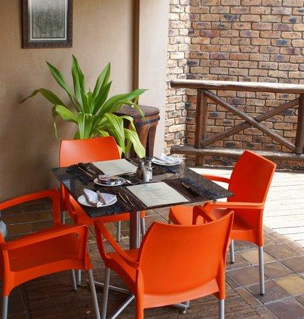 Crocodile Kruger Safari Lodge: Breakfast area