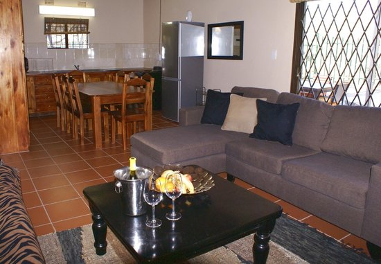 Crocodile Kruger Safari Lodge: Interior of three bedroom house