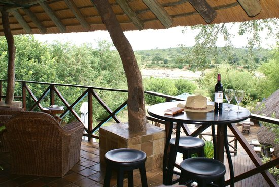 Crocodile Kruger Safari Lodge: Patio Bar overlooking Kruger Park