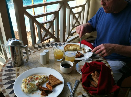 Sandals Grande St. Lucian Spa & Beach Resort: Breakfast Room Service