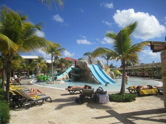 Barcelo Bavaro Palace: small children play ground
