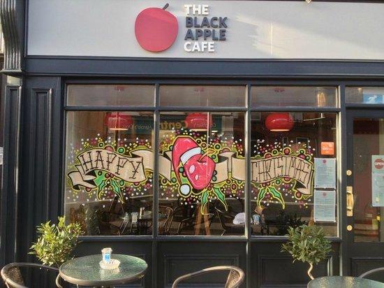 The Black Apple Cafe: Christmas window