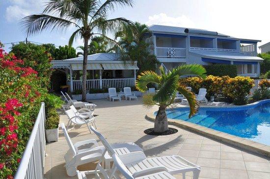 Hotel Amaudo: L'Hotel avec la terrasse couverte pour les petits déjeuners