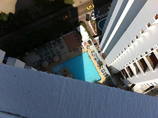 Decameron Cartagena: vista de la piscina desde la azotea