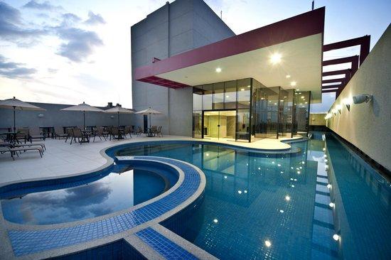 Radisson Hotel Maiorana Belem: Piscina