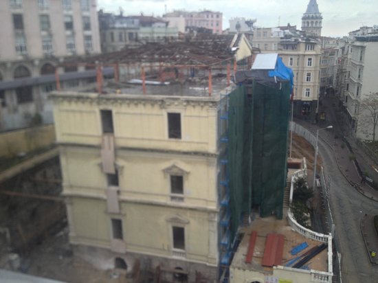 Galata Antique Hotel:                                     Demolition site next door
