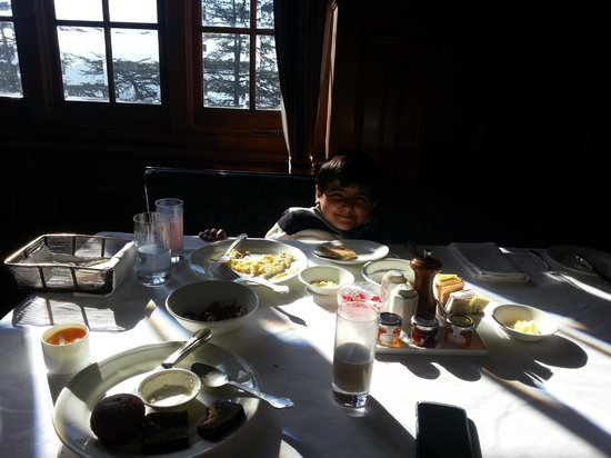 The Oberoi Cecil, Shimla: Fun @ Breakfast table