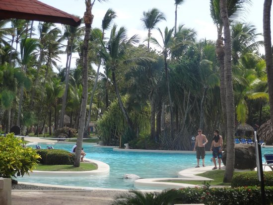 Bavaro Princess All Suites Resort, Spa & Casino: Une des piscines