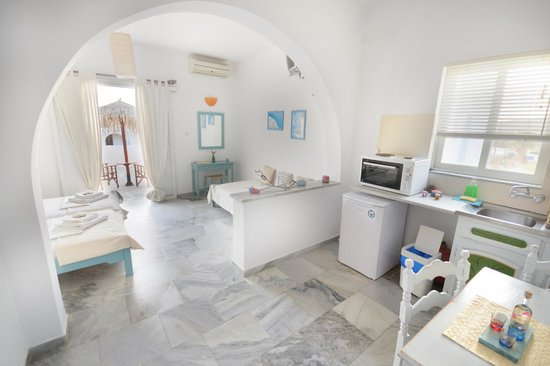 Arokaria Beach Studios: Interior Panoramic Sea View Studio