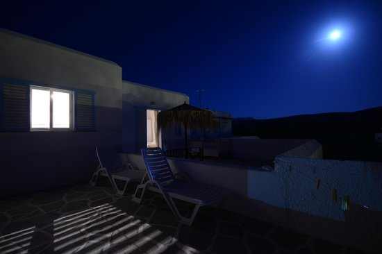 Arokaria Beach Studios: Exterior by Night