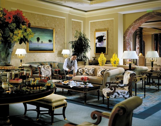 Seasons Tea Lounge: The Ambience Of A Luxurious Living Room. Perfect For  Socialising Or