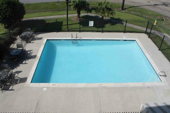Super 8 Lafayette LA: Pool