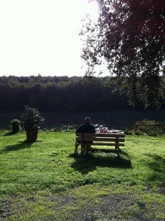 Tre Madonne del Lago: Frühstück im November- Stille.