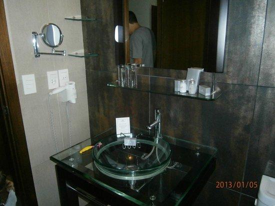 Regency Park Hotel + Spa: Lindo baño