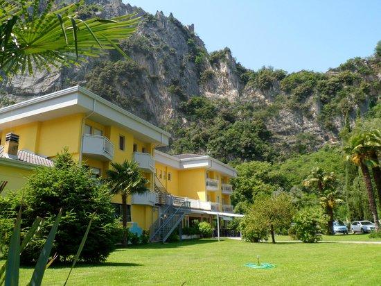 Hotel Garden Arco : Hotel con giardino