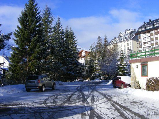 Hotel Candanchu : Стоянка Отель Канданчу