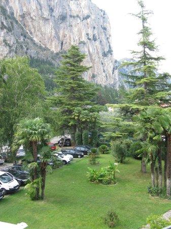 Hotel Garden Arco : parcheggio