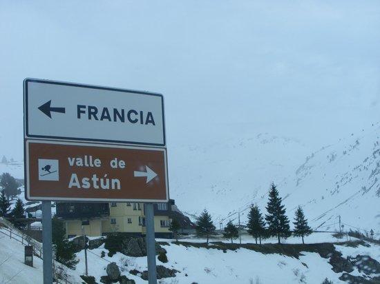 Hotel Candanchu : 1 км до Франции