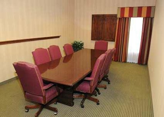 Hampton Inn - Douglas: Hampton Inn Douglas Meeting Room