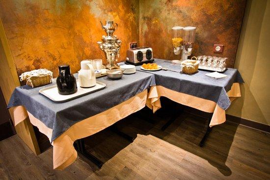 Hotel Les Edelweiss : buffet