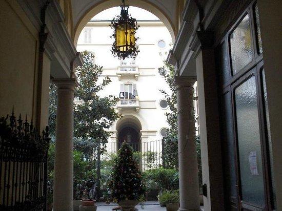 Atena Hotel: Atrio palazzo dell hotel