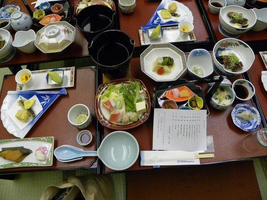 Tosa Royal Hotel : 和会席は品数も多く、海山の幸をたっぷり味わえました。