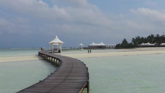 Cinnamon Hakuraa Huraa Maldives: View as you arrive - Amazing