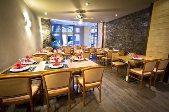 Hotel Les Edelweiss : salle restaurant