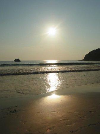 Le Meridien Phuket Beach Resort: Sunset