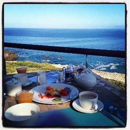 Cliff Lodge: Breakfast with a view!