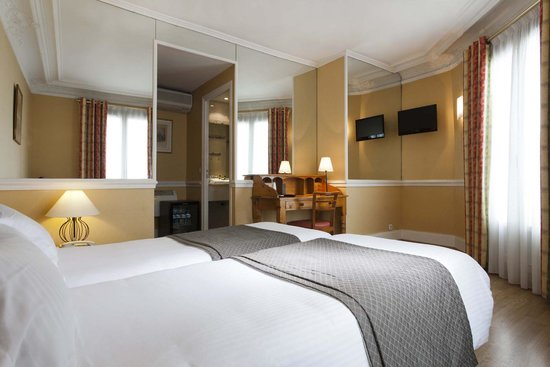 Hotel Claude Bernard Saint-Germain: room