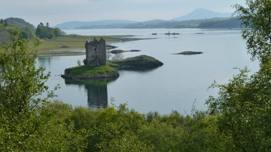 Castle Stalker View Cafe: Castle Stalker from viewing area at Cafe.