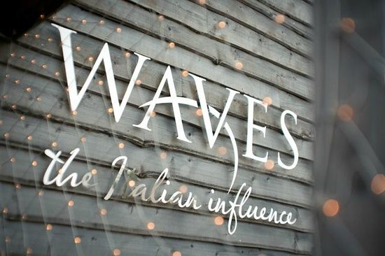 Waves Bar and Restaurant