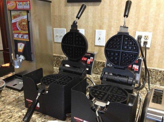 Ayres Suites Yorba Linda: make your own waffles!