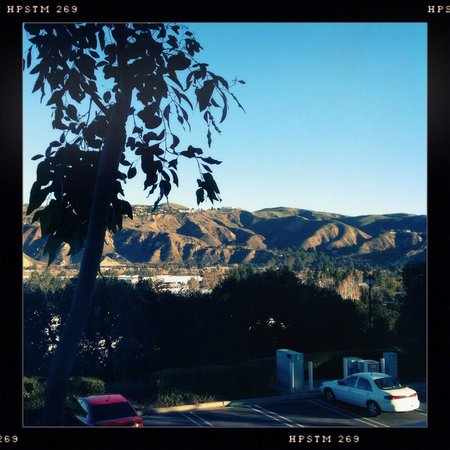 Ayres Suites Yorba Linda: sunrise view from room