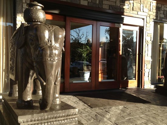 Ayres Suites Yorba Linda : entrance
