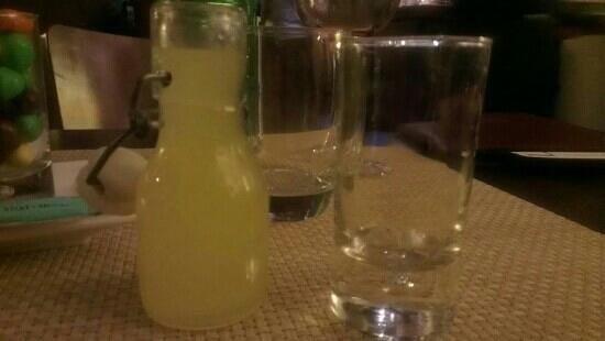 L'Escapade: limoncello offert......