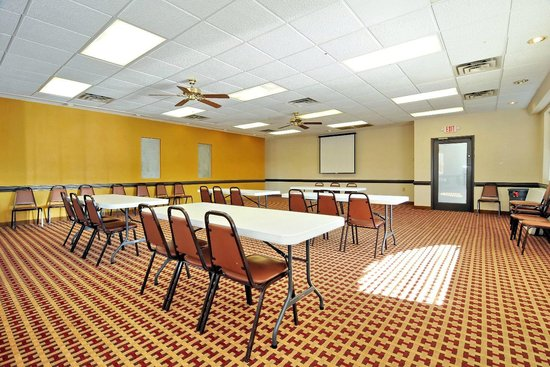 Econo Lodge Salisbury: Meeting Room