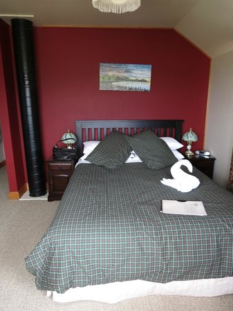 Nikau Lodge: Dolphin room