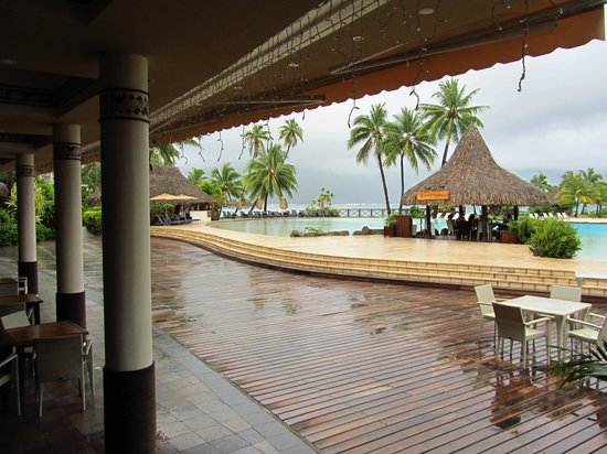 InterContinental Tahiti Resort & Spa: View from the Tiare Restaurant