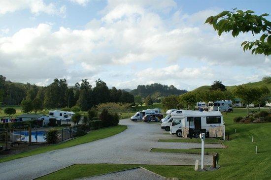 Waitomo Top 10 Holiday Park: VISTA DEL CAMPING 