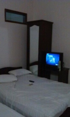 Phuong Dong Airport Hotel : room