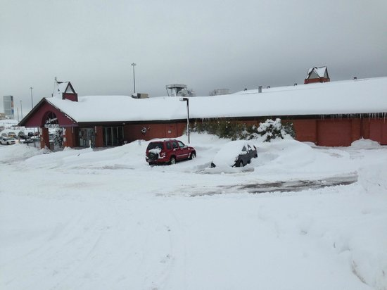 Best Western Hotel St. Jerome : fluffy snow best western hotel