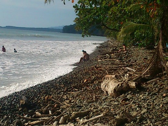 Montanas de Agua: Ballena Beach at national park close to Dominical